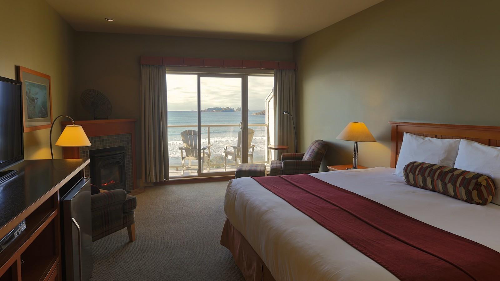 Rooms: Deluxe Beachfront Rooms